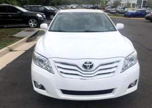 Clean$1OOO Camry 2O11 XLE for Sale in Tacoma, WA