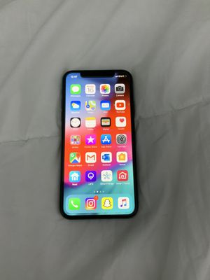 FACTORY UNLOCKED IPHONE X 256GB 9 CASES + CHARGER for Sale in Princeton, FL