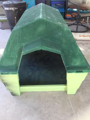 Pet/ Dog House Used for Sale in Houston, TX