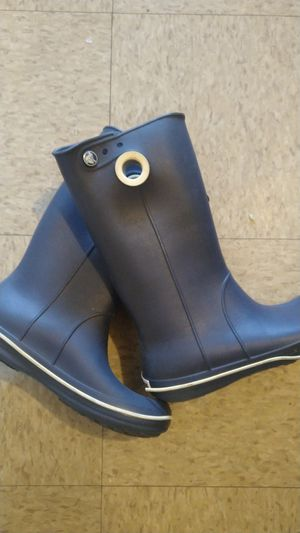 Crocs rain boots size 7 but more like 6 for Sale in Santa Ana, CA