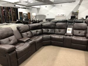 Reclining leather sectional for Sale in Elgin, IL