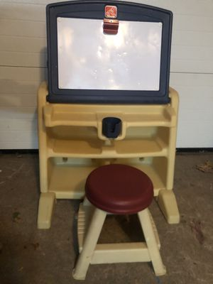 Step2 Toddler Kid desk with easel, whiteboard, and stool for Sale in South Windsor, CT