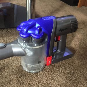Dyson DC35 digital Slim Multi Floor cordless vacuum cleaner. for Sale in Clinton, PA