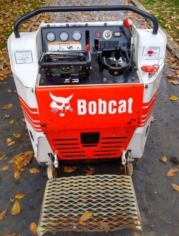 2015 BOBCAT MT52, 686 hours, mini track loader