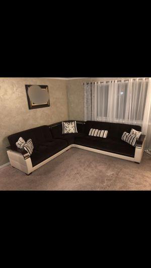 Sofa for Sale in Auburn, WA