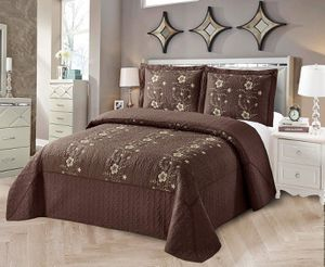 Queen size embroidery bedspread brand new for Sale in Salem, OR