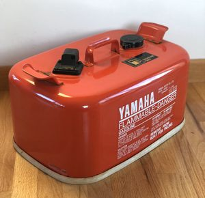 VINTAGE YAMAHA METAL OUTBOARD MOTOR BOAT MARINE GAS TANK (RED) for Sale in Burien, WA