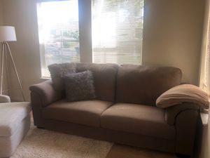Beige couch in great condition - $40 for Sale in Mountain View, CA