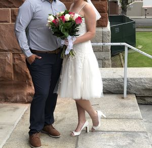 Oleg Cassini David's Bridal short wedding dress size 10 for Sale in Irvine, CA