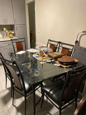 Glass kitchen table and 6 chairs for Sale in Queens, NY