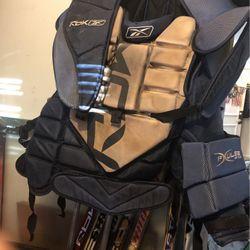 Reebok Senior Large Chest Protector for Sale in Burlington,  MA