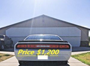 $1200 Dodge Challenger 2009 super car Sport for Sale in Clarksville, TN