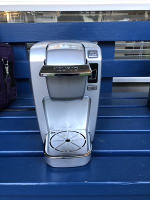 10 cup Keurig coffee maker - barely used for Sale in Bothell, WA