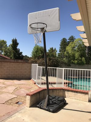 Basketball hoop with net for Sale in Diamond Bar, CA