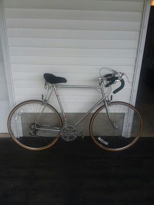 27 in Schwinn 10 Speed Bike, for Sale in Johnston, RI