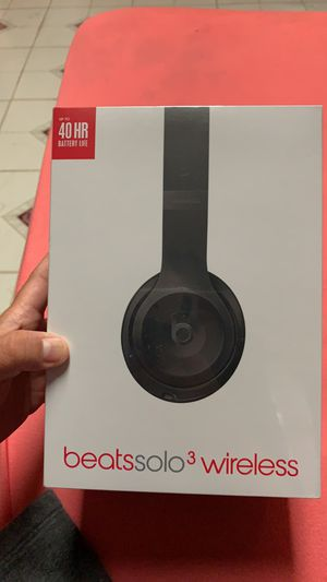 Beats solo 3 wireless for Sale in Chicago, IL