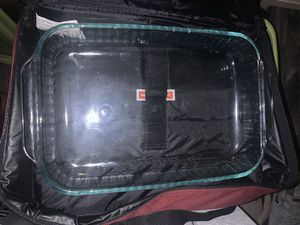 Pyrex bakers dish with carrier and cold and hot packs brand new comes with a lid for Sale in Las Vegas, NV