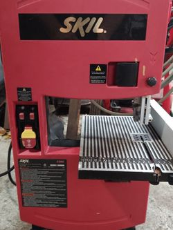 Skil 9 Inch Band Saw for Sale in Orlando,  FL