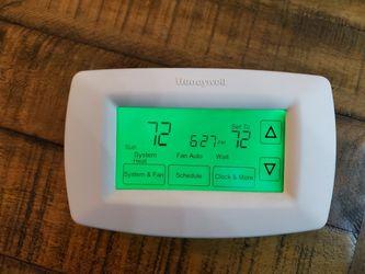 Honeywell Thermostat RTH7600 for Sale in Santa Barbara,  CA