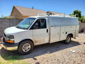 2004 chevy express G3500 for Sale in Phoenix, AZ