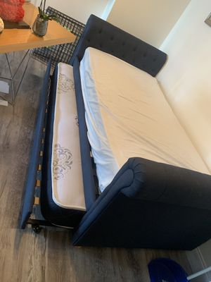 Trundle day bed with two twin mattress for Sale in Miami, FL