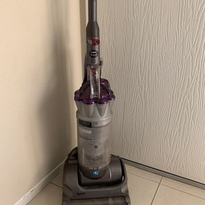 dyson vacuum for Sale in Newport Beach, CA