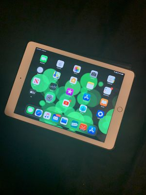 2018 iPad 7th generation new gold color, 128GB for Sale in Manteca, CA