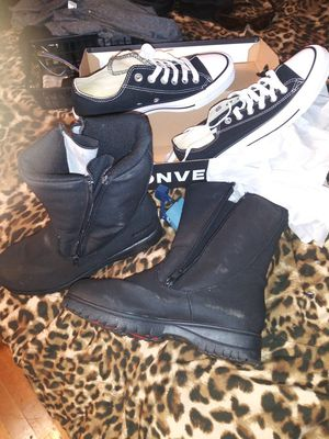 Water proof really nice boots n converse size7 for Sale in Fresno, CA