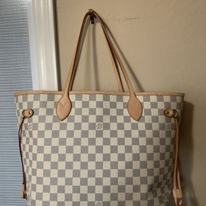 luxury Bags LV and Chanel for Sale in Queen Creek, AZ