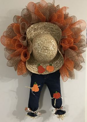 Scarecrow Pumpkin Wreath with Straw Hat for Sale in Martinsburg, WV