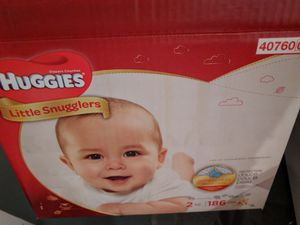 Huggies little snugglers size 2 - 162 count for Sale in Minneapolis, MN