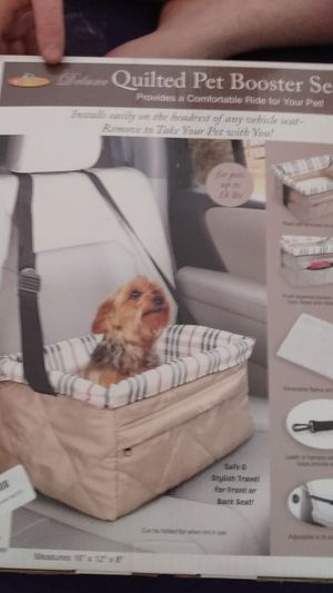 Quilted Pet Booster Seat for Sale in Lima, OH