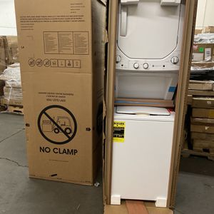 White Laundry Center Washer/Dryer Combo for Sale in Ontario, CA