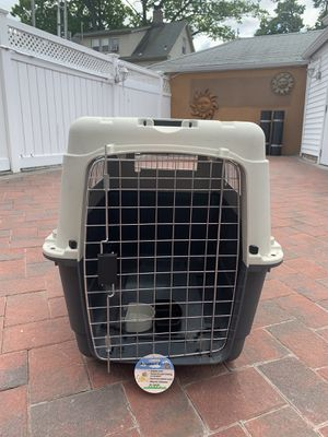 Large travel size dog crate for Sale in Queens, NY