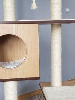 Almost New Wooden Cat Tree for Sale in Everett,  WA