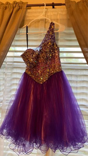 Purple dress with gems and sequencing. for Sale in Houston, TX