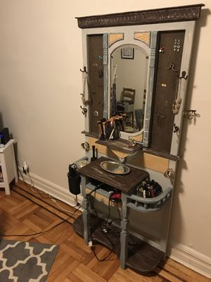 Vanity / Beauty Station for Sale in New York, NY