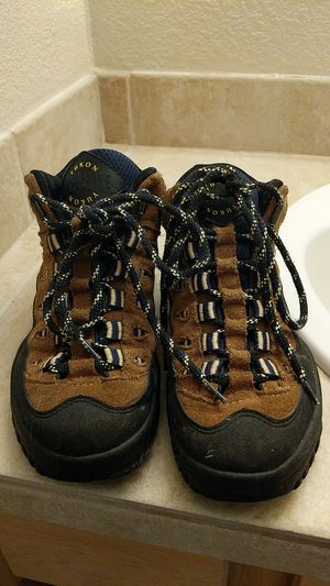 Yukon Adrenaline Hiking Boots Size 7.5 Women for Sale in Denver, CO