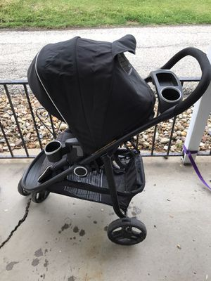Graco 3-wheeled stroller for Sale in North Huntingdon, PA