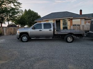 2013 Chevy 3500 dually. Custom flatbedwith airbags for Sale in Selah, WA