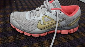 Nike shoes. Size:7 1/2 for Sale in Cleveland, OH