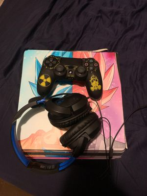 Ps4+remote +headset for Sale in Winter Haven, FL