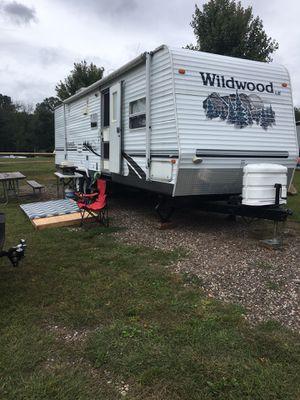 Camper 30 foot long Wildwood for Sale in Bristol, CT