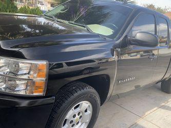 Chevy Silverado, 2010. 121 Mi. for Sale in North Las Vegas,  NV
