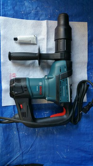 $300. BOSCH 12 Amp 1-9/16 in. Corded Variable Speed SDS-Max Combination Concrete/Masonry Rotary Hammer Drill with Carrying Case for Sale in Evergreen, CO