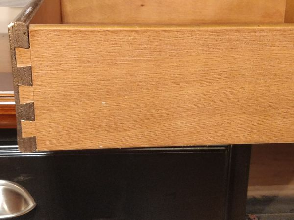 """Like new solid wood buffet with 2 drawers in great condition,Dovetail drawers, all drawers sliding smoothly. L47.5""""*W18""""*H40"""""""