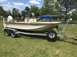 17' Boston Whaler boat for Sale in Beaumont, TX