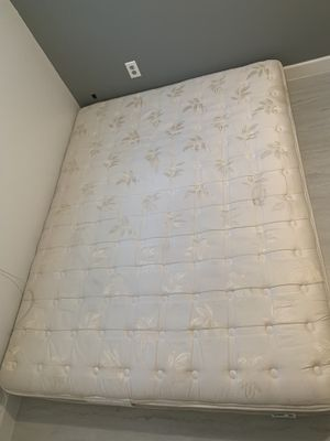 Queen Size Mattress for Sale in Tampa, FL