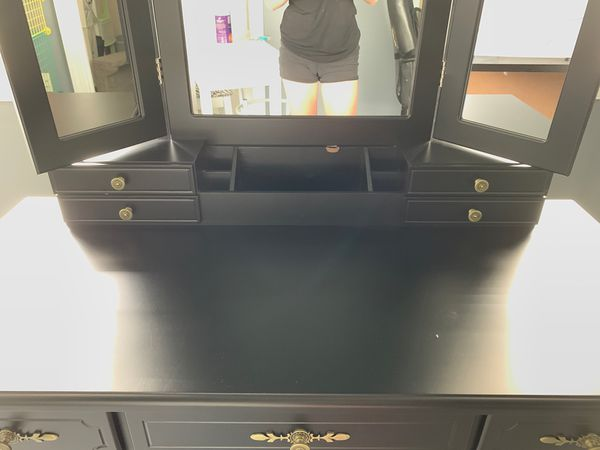 Black vanity make up stand