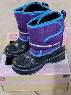 Girls winter boots size 11/12 for Sale in San Bernardino, CA